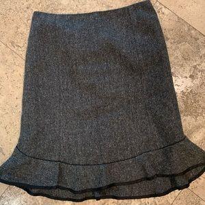 Gap tweed ruffle skirt